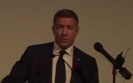Sheldon Kennedy Introduces SWIFT CURRENT at Rendezvous w/ Madness Opening Night